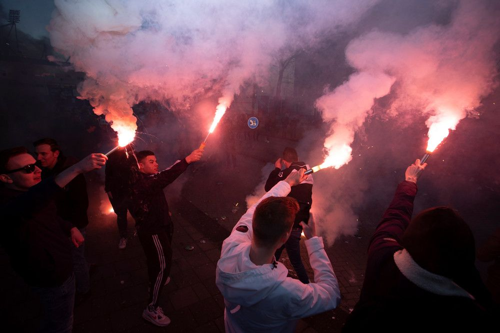 supporters-heracles-rode-fakkels-2021